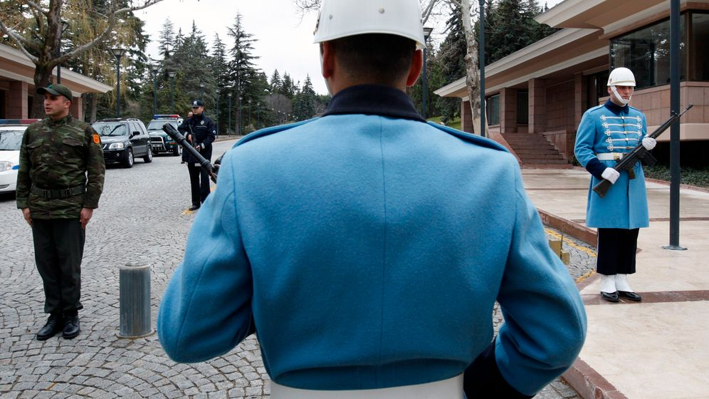 Photo Gallery: Erdogan and the Army