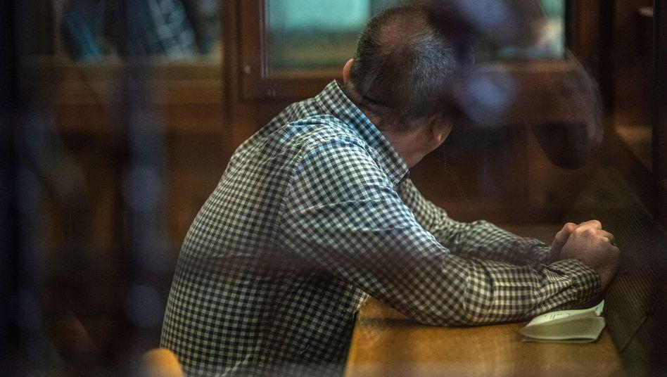 Angeklagter K. vor Gericht (Archiv): Mehrere verdeckte Ermittler wurden auf ihn angesetzt