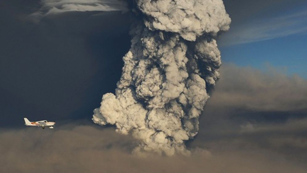 Photo Gallery: Volcanic Ash Cloud Disrupts Europe Air Traffic