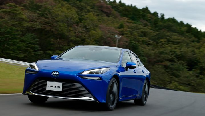 Autogramm Toyota Mirai