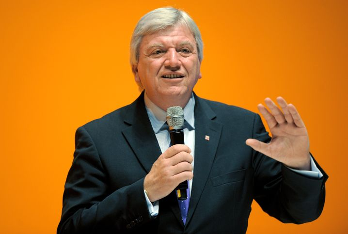 Ministerpräsident Bouffier will Banker nach Frankfurt locken