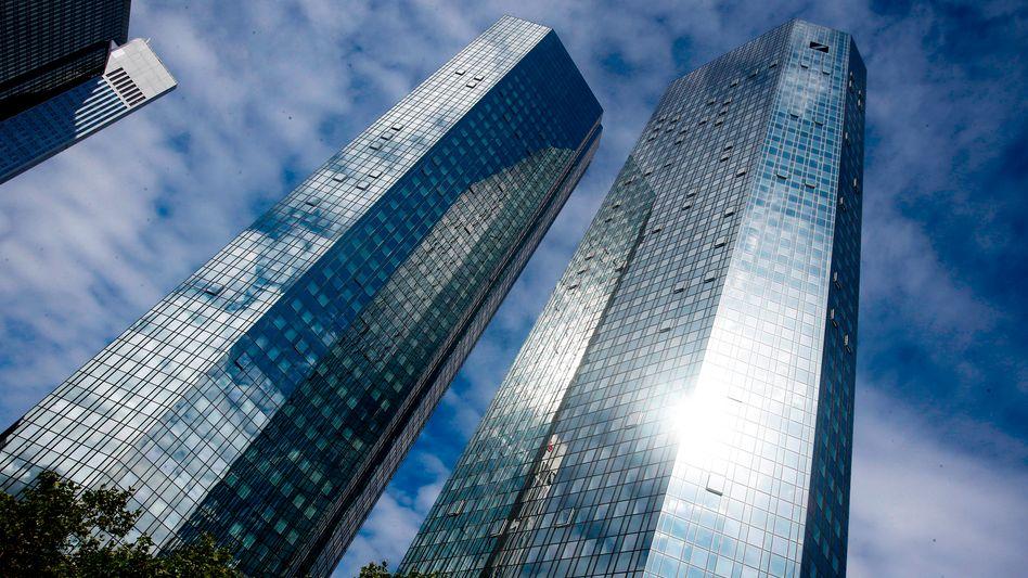 Deutsche-Bank-Zentrale in Frankfurt: Weniger gefährlich als zuvor?