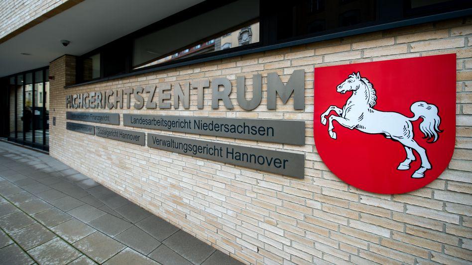 """Verwaltungsgericht Hannover: Umstritten ist, was zur Kategorie """"weitere Tätigkeiten"""" zählt"""