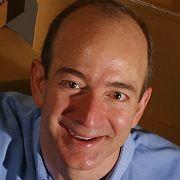 Amazon-Chef Bezos: Macht den Web-Händler zum Dienstleister