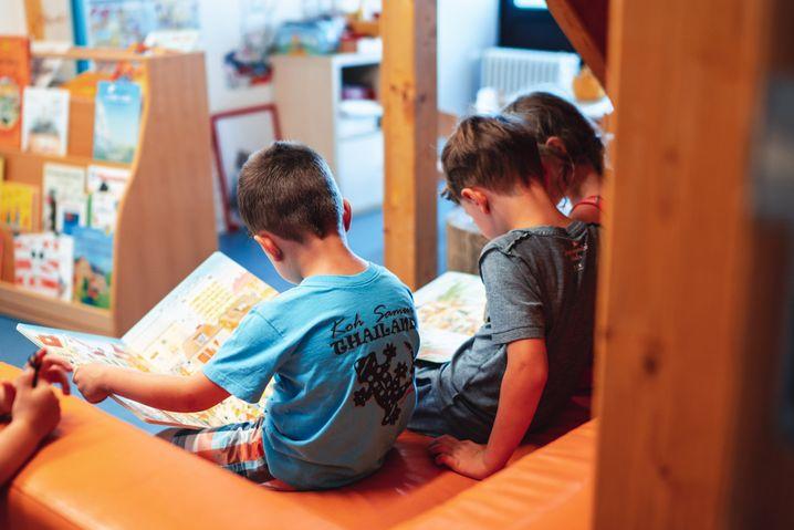 """Kita-Kinder in der """"Wilden Wanne"""": Frieder kann zaubern, Georg weiß ganz viel"""