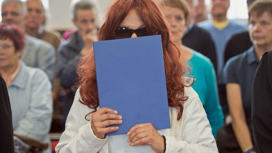 Heidi K. im September vor Gericht in Darmstadt: 80.000 Euro Schmerzensgeld