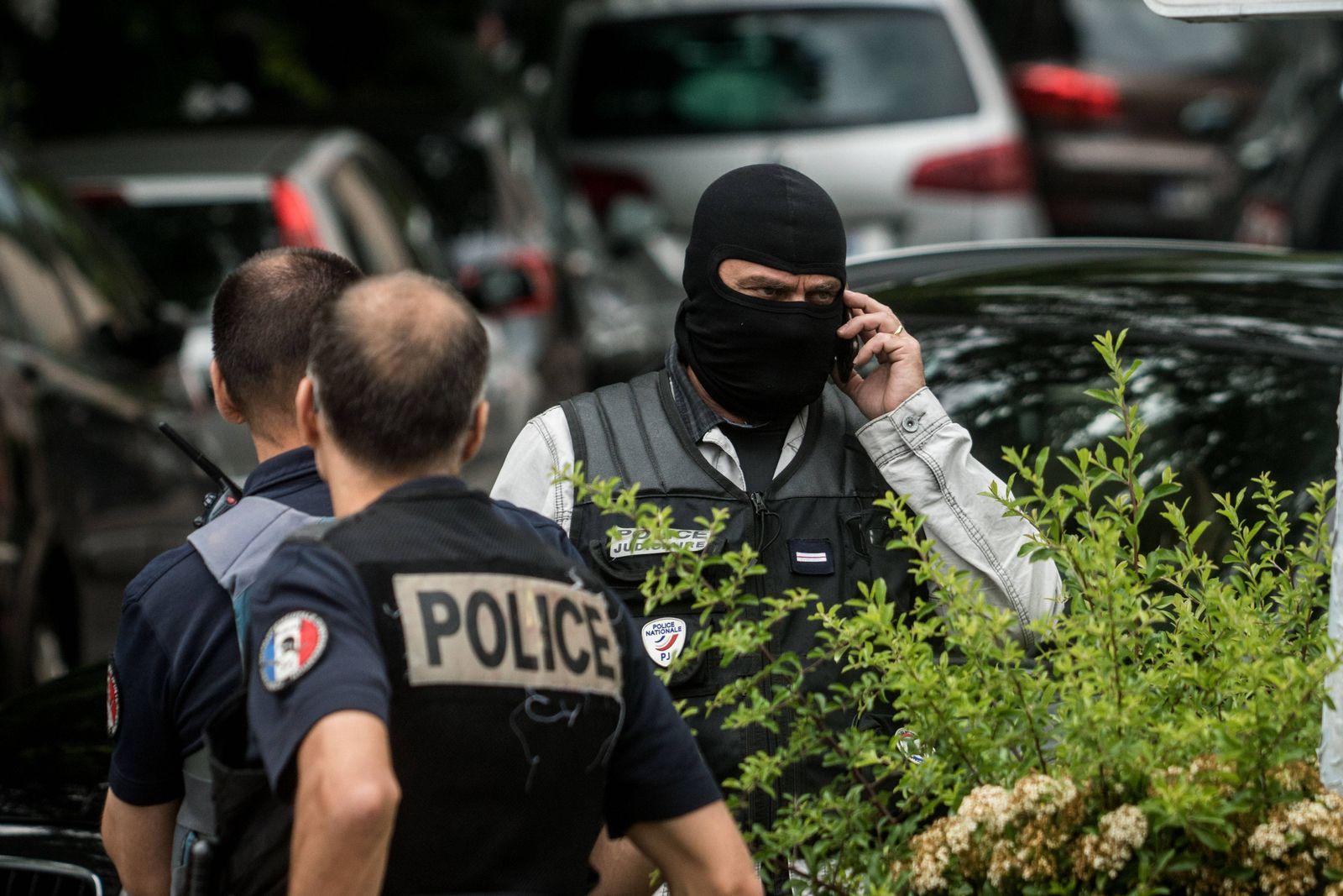 EINMALIGE VERWENDUNG Polizei Symbolbild Frankrech