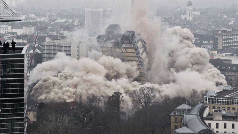 """Hochhaus-Sprengung in Frankfurt: """"Aber im Endeffekt ist es Mathematik und Berechnung"""""""
