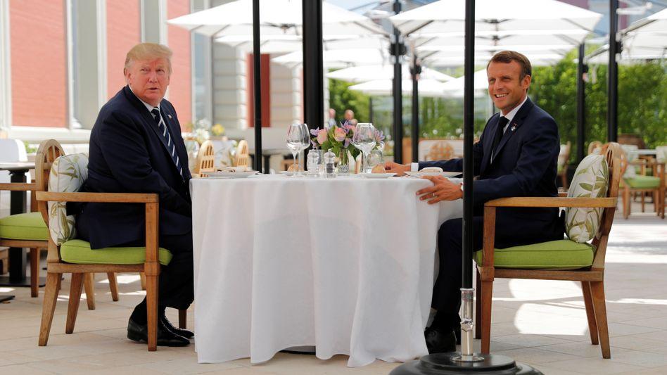 Donald Trump und Emmanuel Macron: Spontanes Treffen