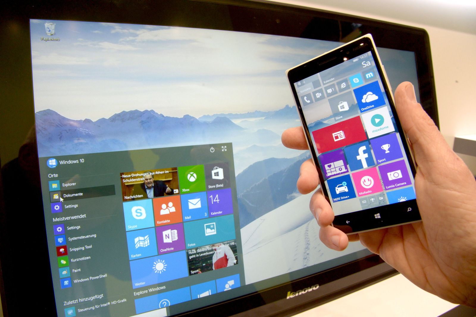 CeBIT 2015 Windows 10