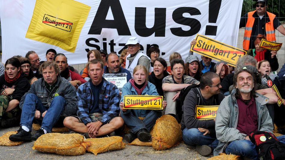 Stuttgart-21-Gegner bei Protesten in Stuttgart: Aktionsbündnis steigt bei Schlichtung aus