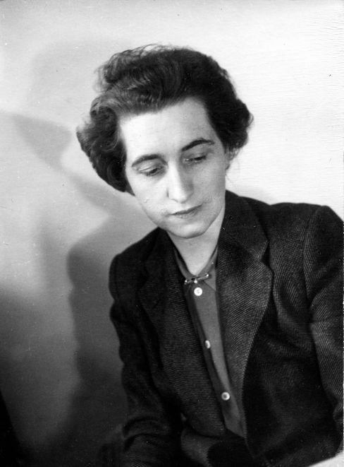 Mit ihrem Mann Kurt Wolff gründete sie später in den USA den Verlag Pantheon Books