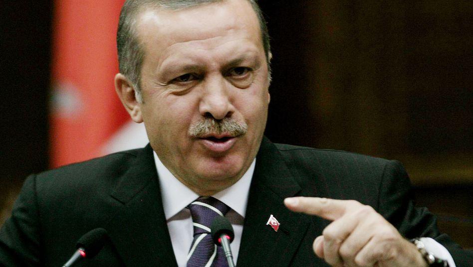 Türkei-Premier Erdogan: wirft dem Westen Arroganz vor und stellt sich auf die Seite Irans