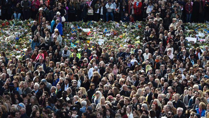 """Schweden nach dem Terror: Tausende bei """"Liebes-Kundgebung"""" in Stockholm"""