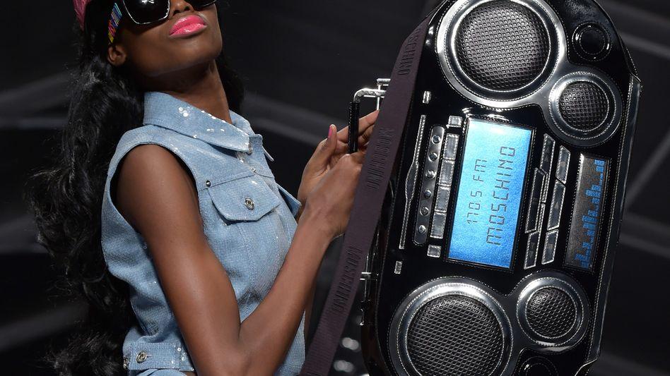 Moschino-Modenschau in Mailand: Der Denim-Look ist zurück