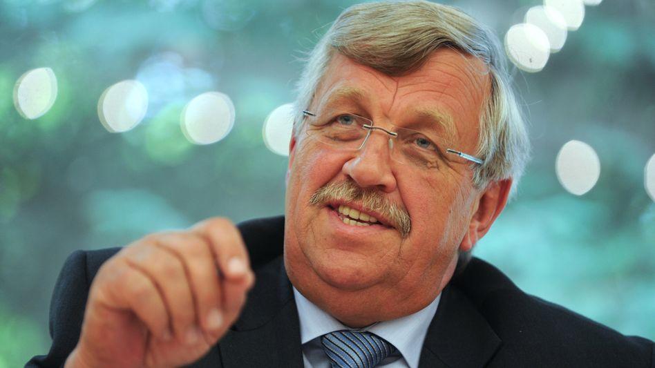 """Der nordhessische Regierungspräsident Walter Lübcke (Archivfoto): """"War das jetzt irgendwie daneben?"""", fragte er seinen Pressesprecher"""