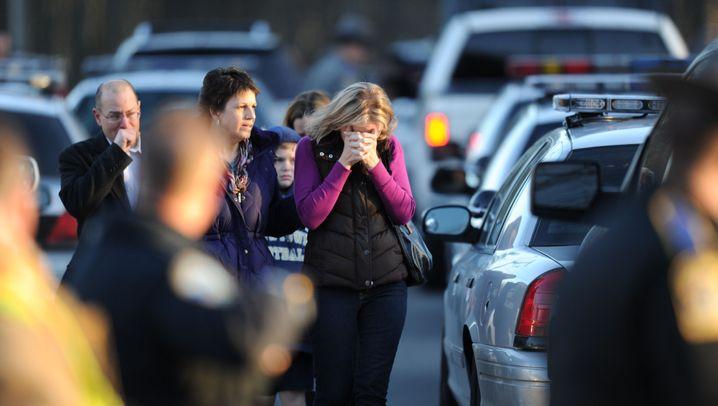 Bluttat an der Sandy-Hook-Grundschule: Newtown unter Schock