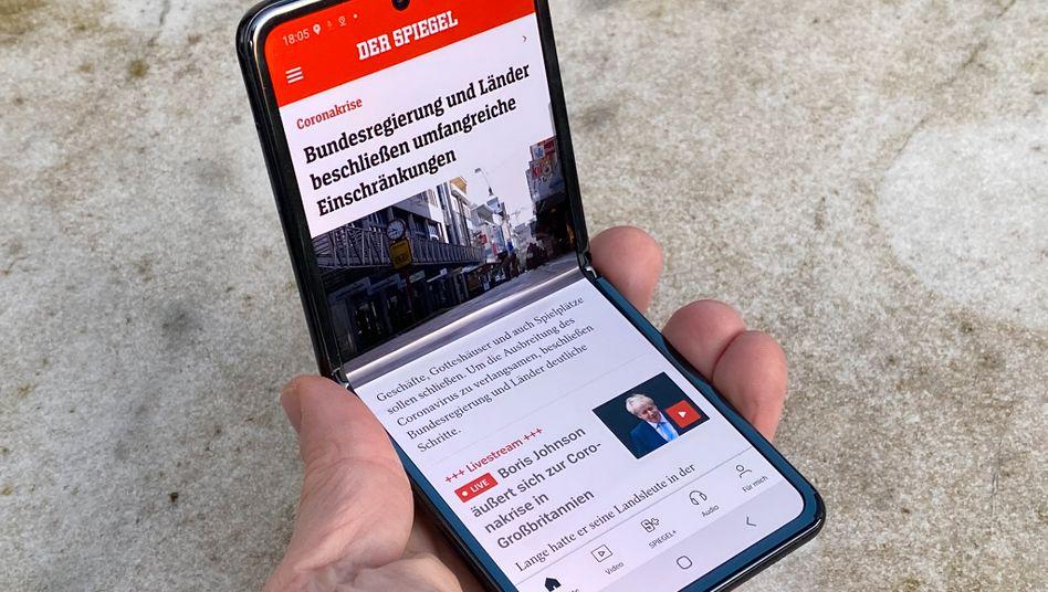 Klappkamera: Das Samsung Galaxy Z Flip lässt sich in fast jeder Position anwinkeln