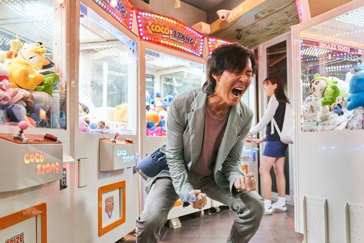 Der Arbeitslose Seong Gi-hun hat nicht einmal Glück beim Spiel: Szene aus »Squid Game«