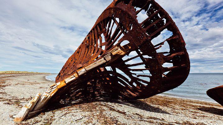 Schiffswracks: Aufgegeben, zerbrochen, verrostet