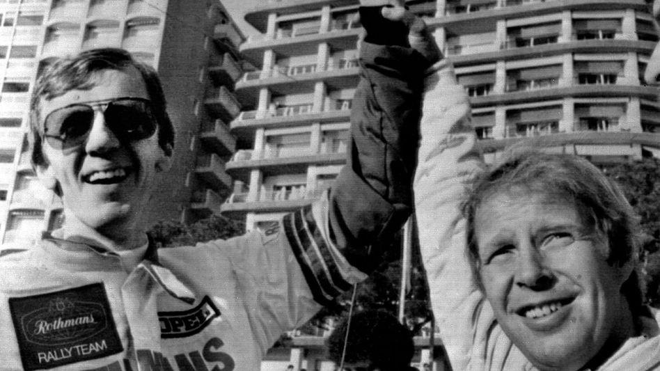 Der Rallyezweite Hannu Mikkola (r.) und Sieger Walter Röhrl in Monte Carlo 1982