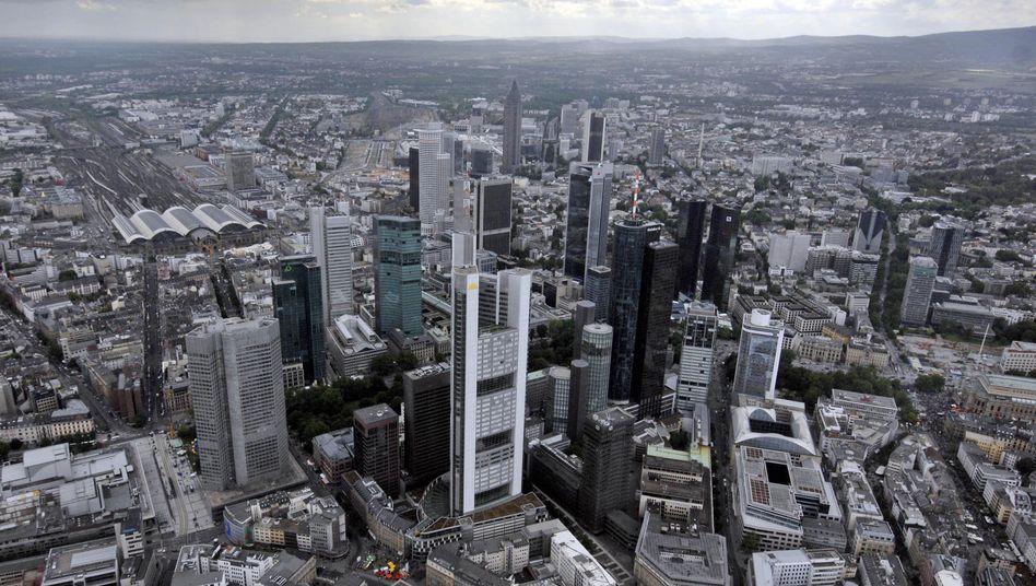 Bankenviertel in Frankfurt: Umstrittener Anti-Zocker-Feldzug