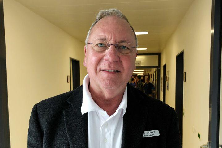 Hans-Jürgen Stopora, Pflegedirektor