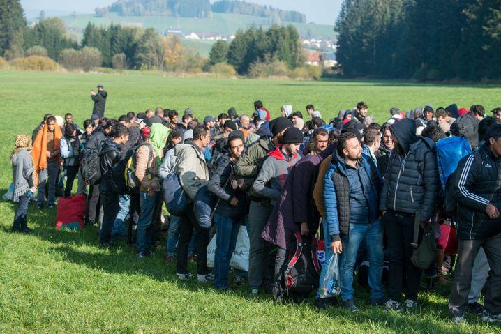 "Flüchtlinge an der Grenze zu Bayern: ""Seehofer zündelt"""