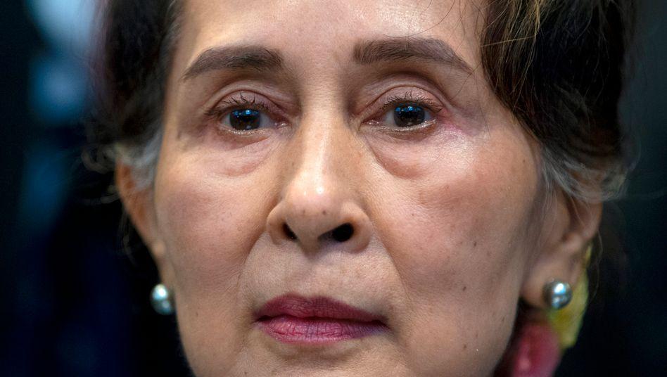 Aung San Suu Kyi: erst entmachtet, dann angeklagt