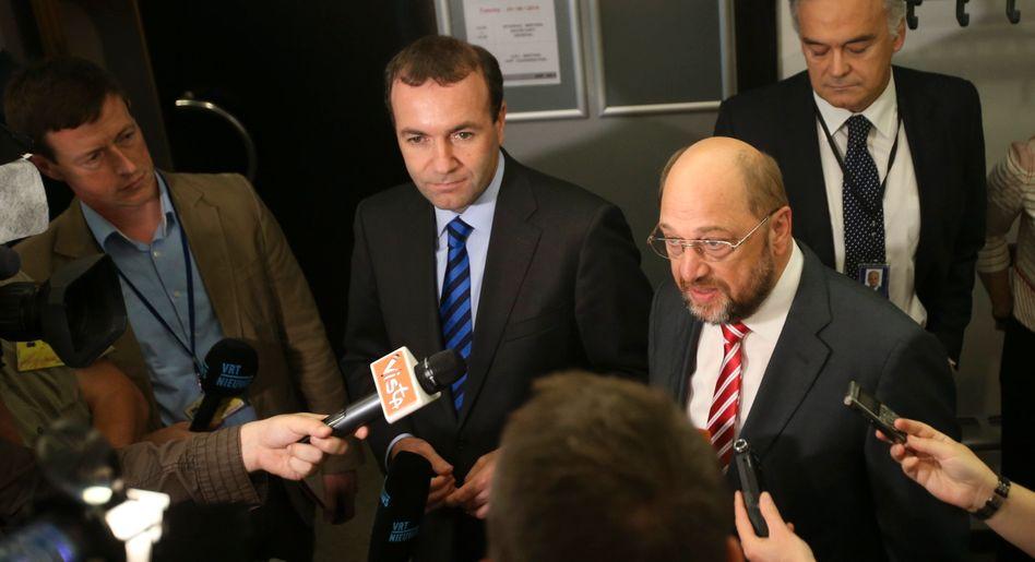 Manfred Weber (Mitte), Martin Schulz (r.)