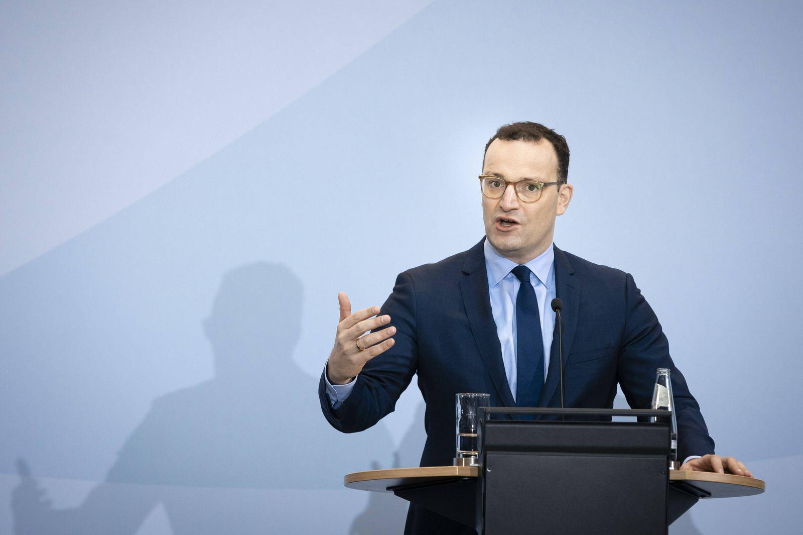 Bundesgesundheitsminister Jens Spahn, CDU, aufgenommen bei einer gemeinsamen Pressekonferenz mit Philipp Justus, Vice P