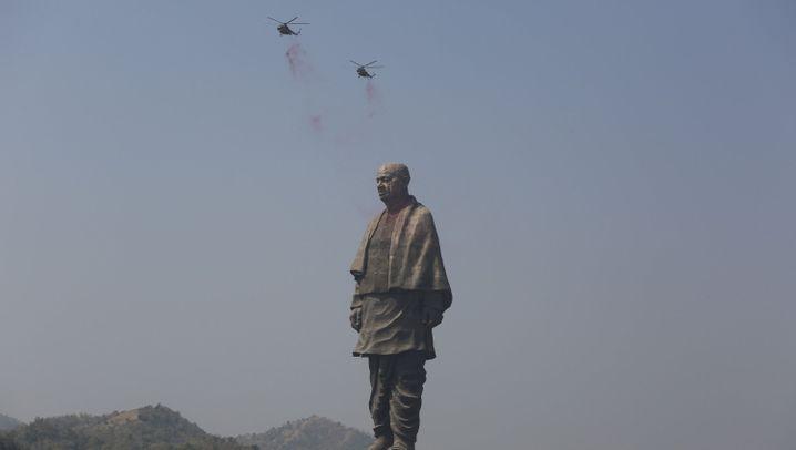 Fotostrecke: 182 Meter hoch und höchst umstritten