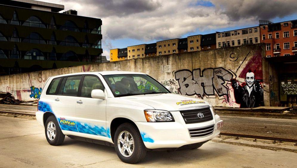 Toyota FCHV-adv: Wasser aus dem Auspuff