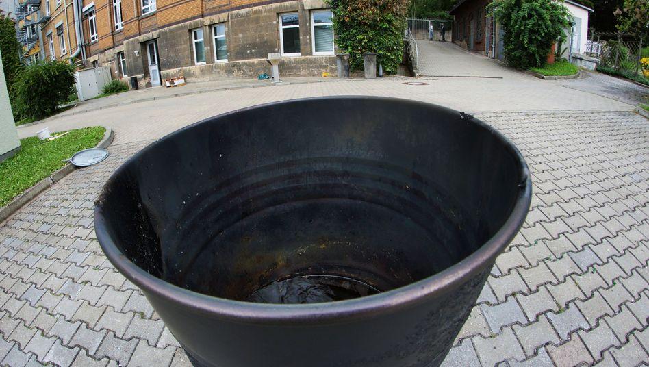 Feuertonne an der Universität Jena: Hier brannten die Laborkittel