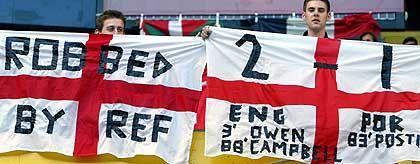 """Englische Fans: """"Vom Schiedsrichter bestohlen"""""""
