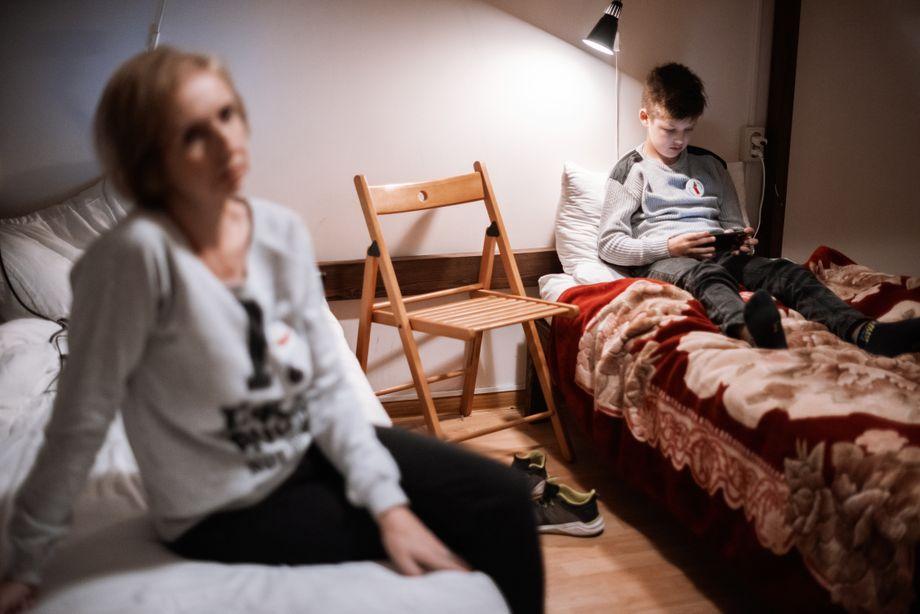 Ljubow Schalajewa mit ihrem Sohn: »Die Lage war sehr ernst für uns«