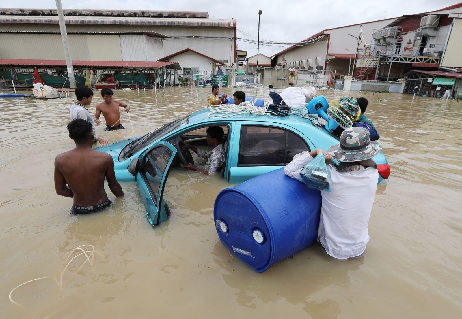 At least 18 killed, 20,000 evacuated in Cambodia floods, Phnom Penh - 16 Oct 2020