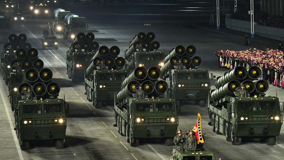 Nordkoreanische Militärparade am 14. Januar: Die USA als »größter Feind«