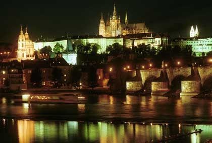 Karlsbrücke mit Prager Burg