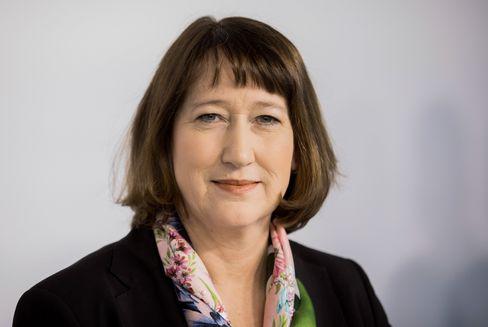 Hildegard Müller: Aktionäre an Bord halten - auf Kosten der Steuerzahler?