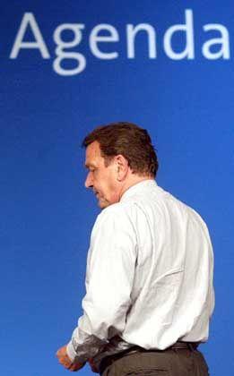 Schröders Agenda 2010: Stürzte der Kanzler in die Reformlücke?