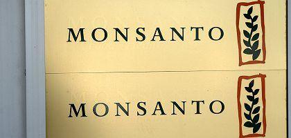 Firmenlogo von Monsanto in Düsseldorf: Front der Gegner wächst