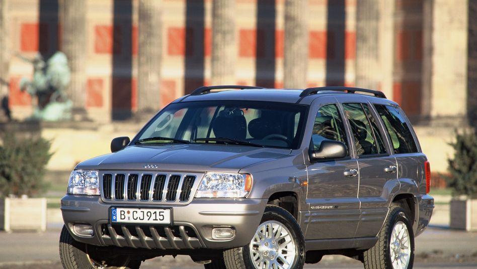 Jeep Grand Cherokee: Die NHTSA geht von Feuergefahr bei Auffahrunfall aus
