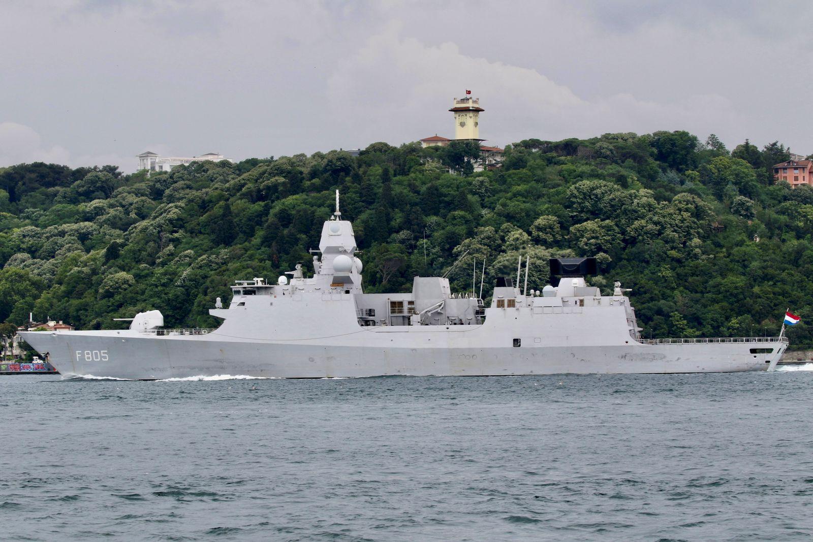 Royal Netherlands Navy frigate HNLMS Evertsen sets sail in Istanbul's Bosphorus