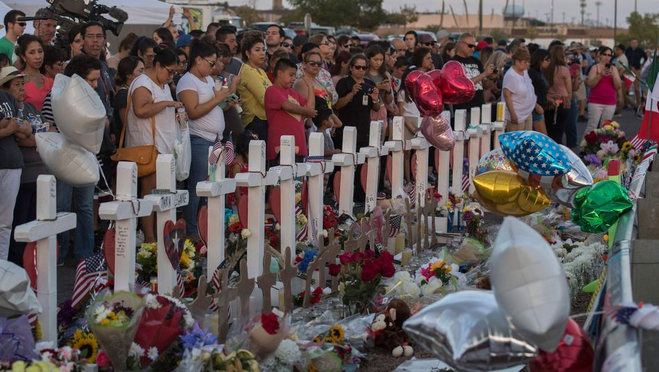 Gedenken in El Paso: 22 Menschen wurden in einem Supermarkt getötet