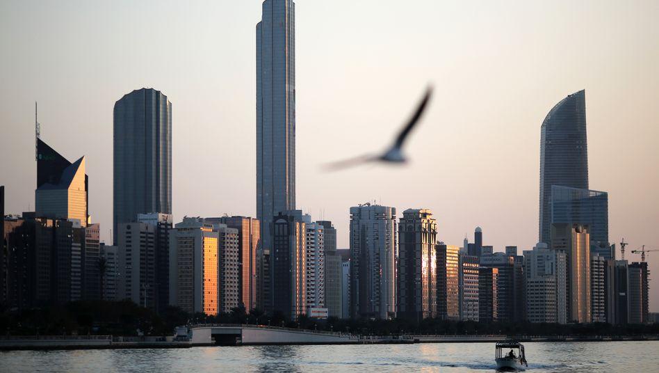 Skyline von Abu Dhabi: Nebelwand aus hochtrabenden Vokabeln und kulturellem Glamour