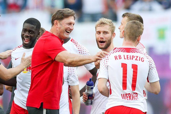 Ralph Hasenhüttl mit RB-Spielern