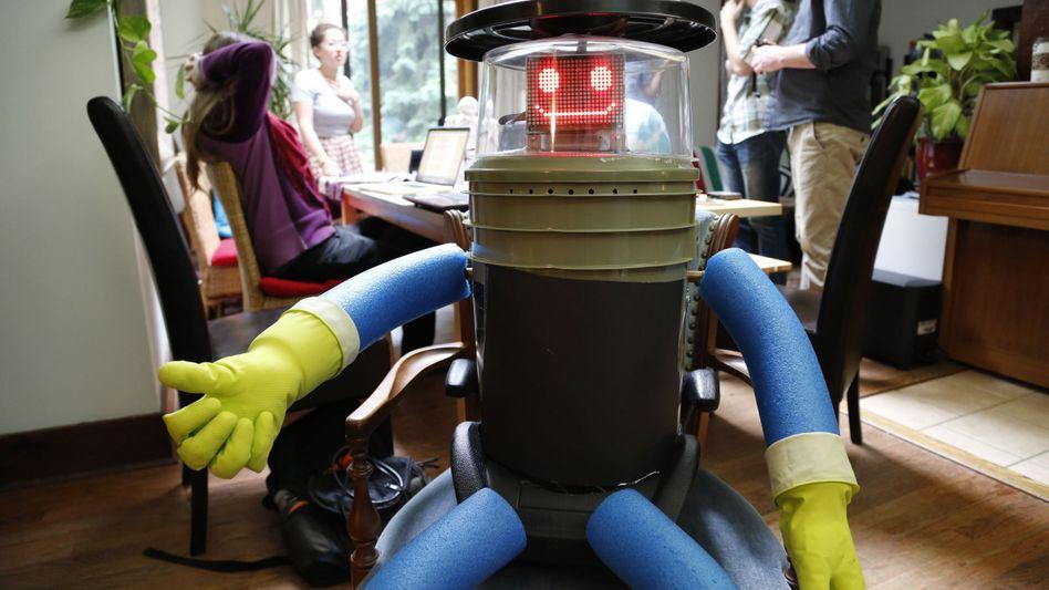 Roboter Hitchbot (vor seiner Abreise): Als Anhalter quer durchs Land