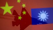 Pekings Botschaft per Kampfflugzeug