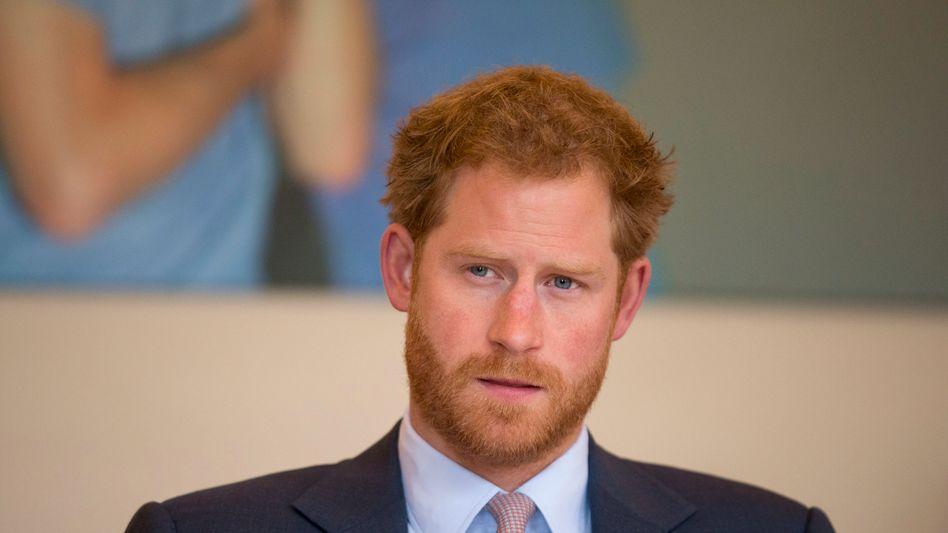 Prinz Harry, Schrecken der NRW-Schüler